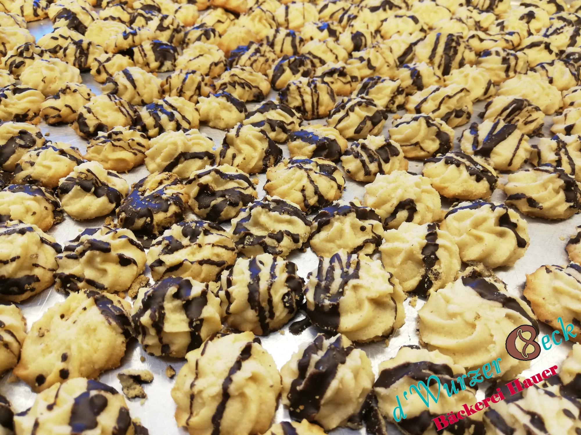 Sandspritzgebäck mit Schokolade